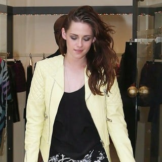 Kristen Stewart in Paris Fashion Week Spring/Summer 2013 - Balenciaga
