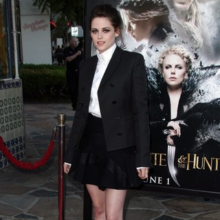 Kristen Stewart in The Industry Screening of Snow White and the Huntsman - Arrivals
