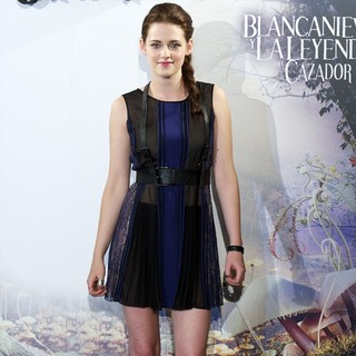Kristen Stewart in Snow White and the Huntsman Photocall