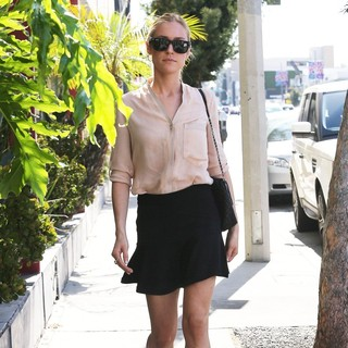 Kristin Cavallari in Kristin Cavallari Heads to A Meeting
