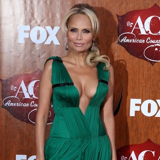 Kristin Chenoweth in 2011 American Country Awards - Arrivals