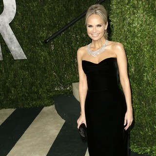 Kristin Chenoweth in 2013 Vanity Fair Oscar Party - Arrivals