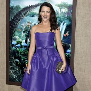 The Los Angeles Premiere of Journey 2: The Mysterious Island - Arrivals - kristin-davis-premiere-journey-2-the-mysterious-island-05