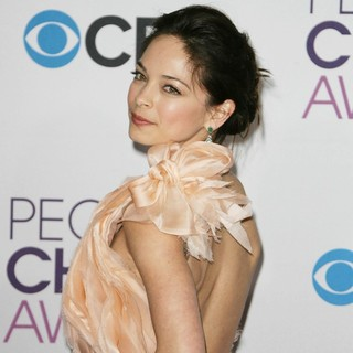 Kristin Kreuk in People's Choice Awards 2013 - Press Room