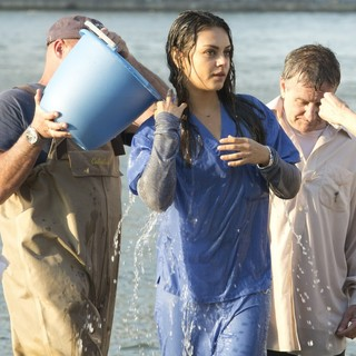 Mila Kunis, Robin Williams in On The Set of The Angriest Man in Brooklyn