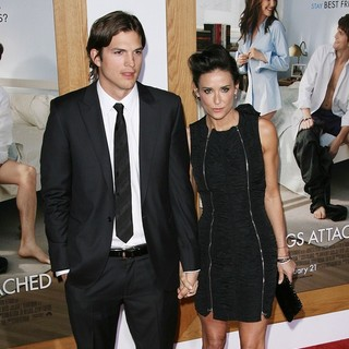 Ashton Kutcher, Demi Moore in Los Angeles Premiere of No Strings Attached