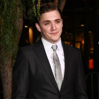 Kyle Gallner in Beautiful Creatures Los Angeles Premiere - kyle-gallner-premiere-beautiful-creatures-01