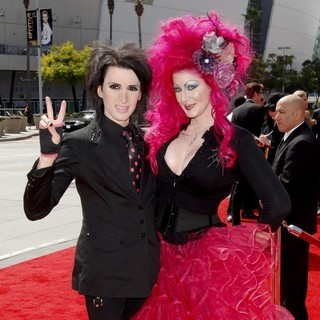 Kynt and Vyxsin in 2011 Primetime Creative Arts Emmy Awards - Arrivals