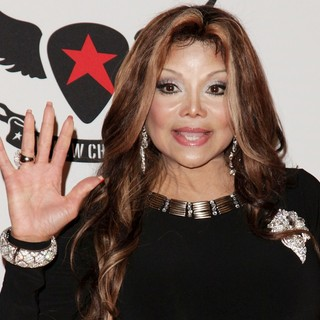 La Toya Jackson in 19th Annual Race to Erase MS - la-toya-jackson-19th-annual-race-to-erase-ms-01