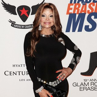 La Toya Jackson in 19th Annual Race to Erase MS - la-toya-jackson-19th-annual-race-to-erase-ms-04
