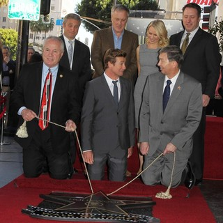 Simon Baker Is Honoured with A Star on The Hollywood Walk of Fame - labonge-heller-baker-watts-gubler-simon-baker-walk-of-fame-02