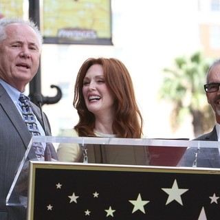 Tom LaBonge, Julianne Moore, Mitch O'Farrell in Julianne Moore Honored with Star at The Hollywood Walk of Fame