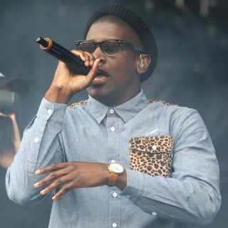 Labrinth in Barclaycard Wireless Festival 2012 - Day 3 - labrinth-barclaycard-wireless-festival-2012-day-3-08