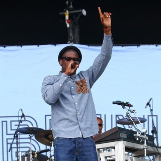 Labrinth in Barclaycard Wireless Festival 2012 - Day 3 - labrinth-barclaycard-wireless-festival-2012-day-3-11