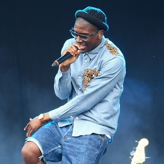 Labrinth in Barclaycard Wireless Festival 2012 - Day 3 - labrinth-barclaycard-wireless-festival-2012-day-3-25