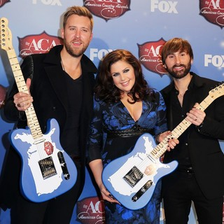 Lady Antebellum in 2013 American Country Awards - Press Room