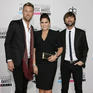 Lady Antebellum in The 40th Anniversary American Music Awards - Arrivals