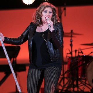 Lady Antebellum in We Can Survive 2014 - lady-antebellum-we-can-survive-2014-04