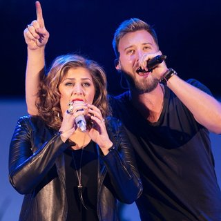 Lady Antebellum in We Can Survive 2014 - lady-antebellum-we-can-survive-2014-08