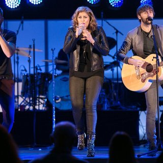 Lady Antebellum in We Can Survive 2014 - lady-antebellum-we-can-survive-2014-11