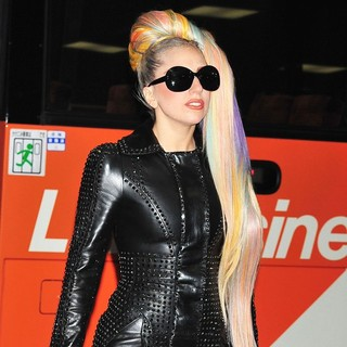 Lady GaGa - Lady GaGa Arrives at Narita International Airport