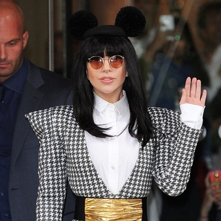Lady GaGa in Lady GaGa Leaves Her Hotel
