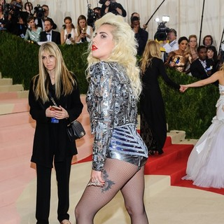 Lady GaGa - Manus x Machina: Fashion in An Age of Technology Costume Institute Gala