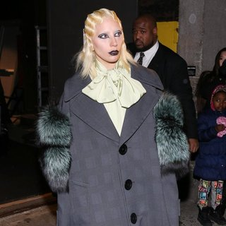 Lady GaGa - Marc Jacobs Fall 2016 Show