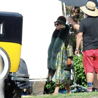 Lady GaGa - Lady GaGa Spotted with A Baby Bump on The Set of American Horror Story: Hotel