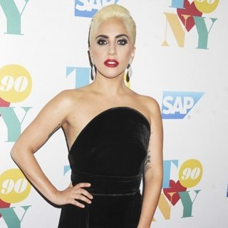 Lady GaGa - Tony Bennett's 90th Birthday Celebration
