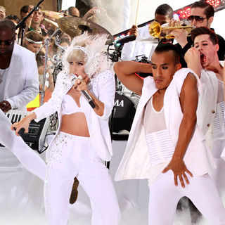 Lady GaGa - Lady GaGa Performing Live on NBC's 'Today Show Concert Series'