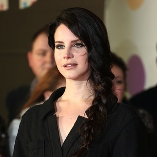 Lana Del Rey in The 2013 Brit Awards - Arrivals - lana-del-rey-2013-brit-awards-01