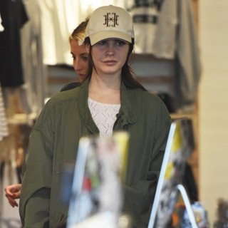 Lana Del Rey Does Some Shopping