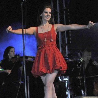 Lana Del Rey in BBC Radio 1's Hackney Weekend - Day 2