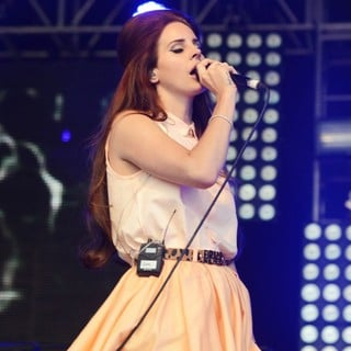 Lana Del Rey in Lovebox Festival - Day 2
