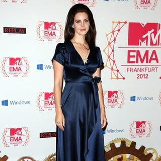 Lana Del Rey in The MTV EMA's 2012 - Arrivals - lana-del-rey-mtv-ema-s-2012-03