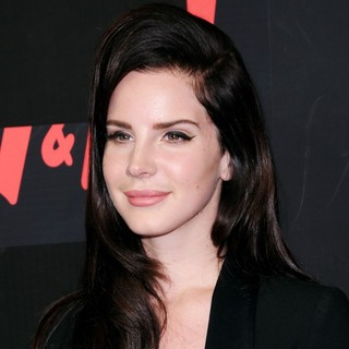 H and M Hosts A Private Concert with Lana Del Rey - Arrivals - lana-del-rey-private-concert-01