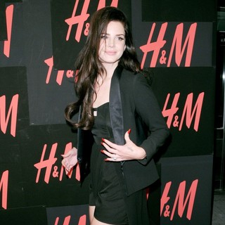 H and M Hosts A Private Concert with Lana Del Rey - Arrivals - lana-del-rey-private-concert-04