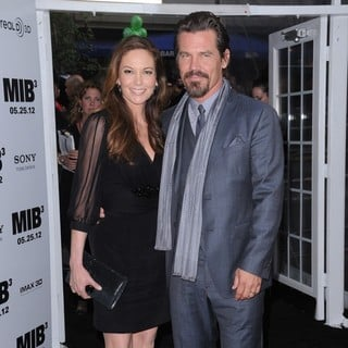Josh Brolin in Men in Black 3 New York Premiere - Arrivals - lane-brolin-premiere-men-in-black-3-02
