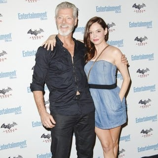 Stephen Lang in Comic Con 2011 Day 3 - Entertainment Weekly Party - Arrivals - lang-mcgowan-2011-comic-con-convention-day-3-02