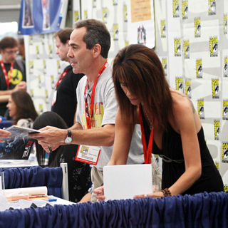 Larry Thomas in Signs Autographs For Fans at Comic Con