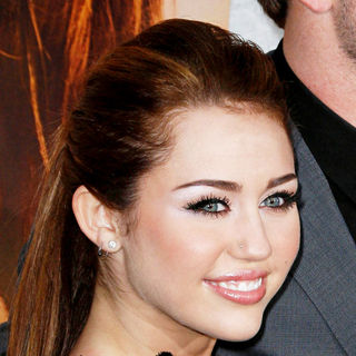 Miley Cyrus in Los Angeles Premiere of 'The Last Song'