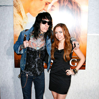 Trace Cyrus, Brandi Cyrus in Los Angeles Premiere of 'The Last Song'