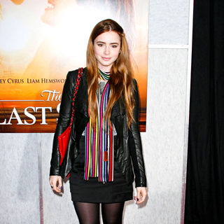 Lily Collins in Los Angeles Premiere of 'The Last Song'