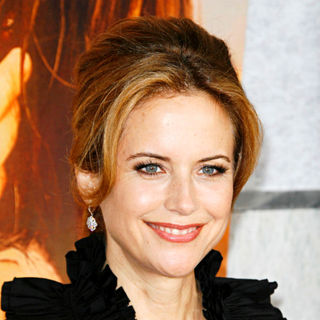 Kelly Preston in Los Angeles Premiere of 'The Last Song'