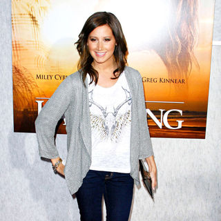 Ashley Tisdale in Los Angeles Premiere of 'The Last Song'