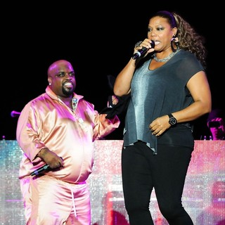 Cee-Lo, Queen Latifah in Cee-Lo and Queen Latifah Perform During The Black Eyed Peas Final Concert of The Year