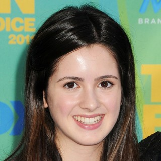 Laura Marano in 2011 Teen Choice Awards