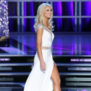 Laura McKeeman in 2013 Miss America Final Competition