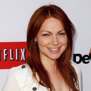 Laura Prepon in Netflix's Los Angeles Premiere of Season 4 of Arrested Development - laura-prepon-premiere-arrested-development-season-4-03